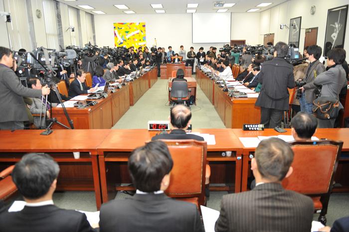 1월5일 문화체육관광방송통신위원회가 열리고 있다